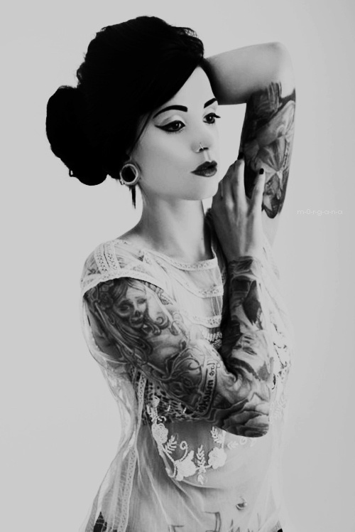 Women with tattoos the image kid has it for Blackwater tattoo studio