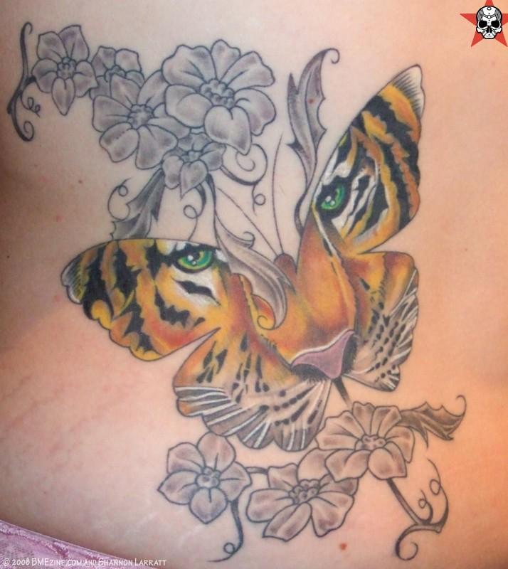 Women butterfly tattoos design tattoo love - Dekollete tattoo ...