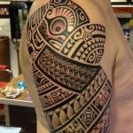polynesian-upper-arm-shoulder-tattoo