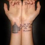 pretty-wrist-tattoo-designs-for-women