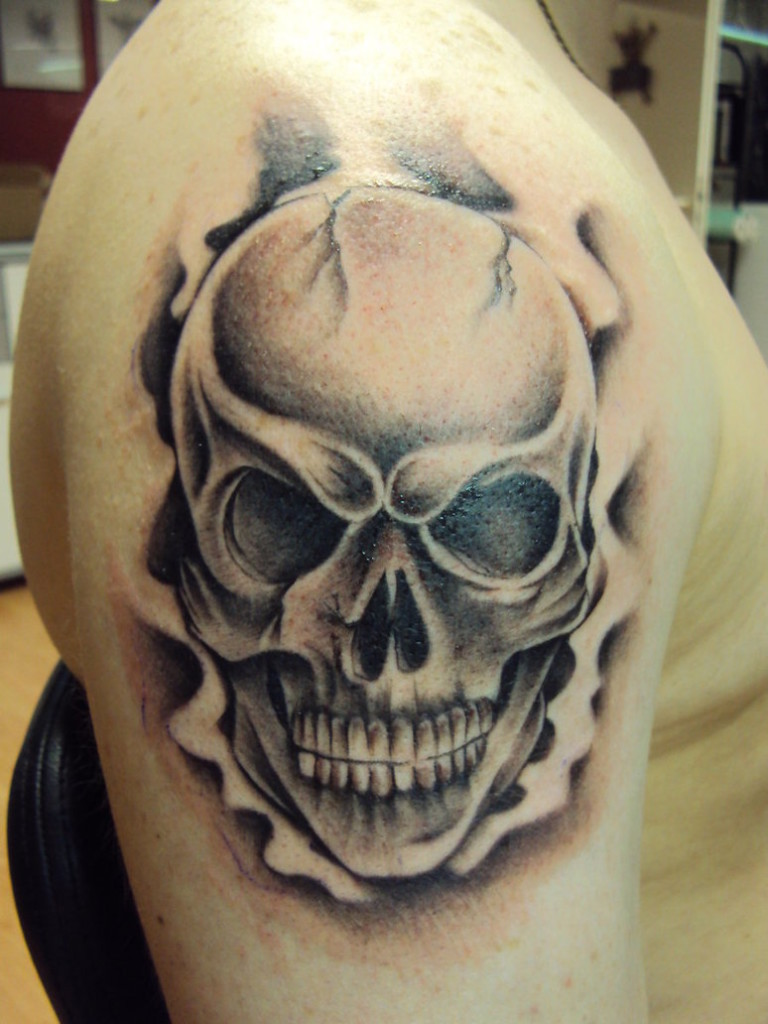 Skull tattoo smoke tattoo love for Skull love tattoos