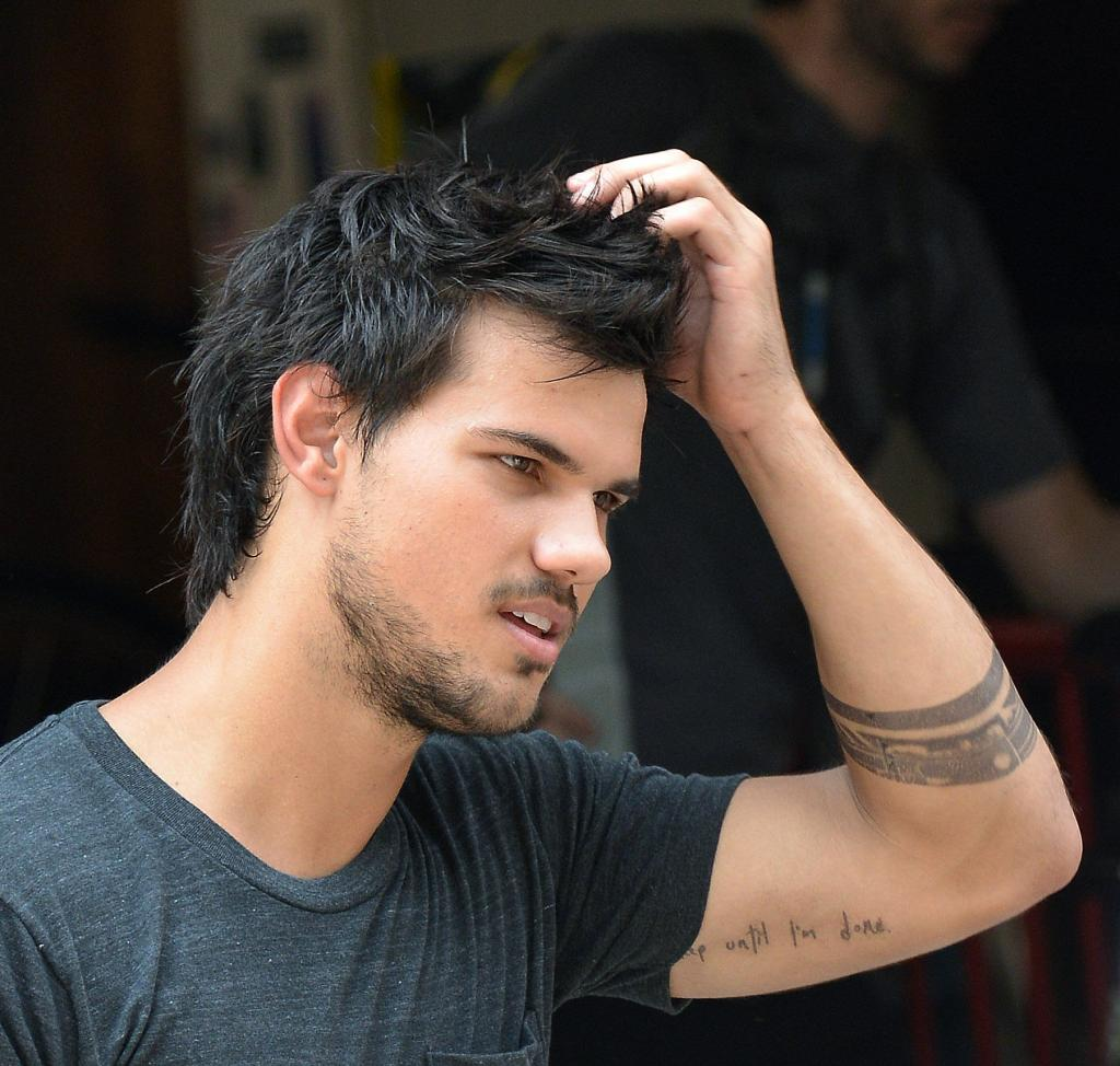 taylor lautner Welcome to sportsnation on wednesday, actor taylor lautner, who plays jacob  black in the twilight movies, will be here to chat about the latest part in the.