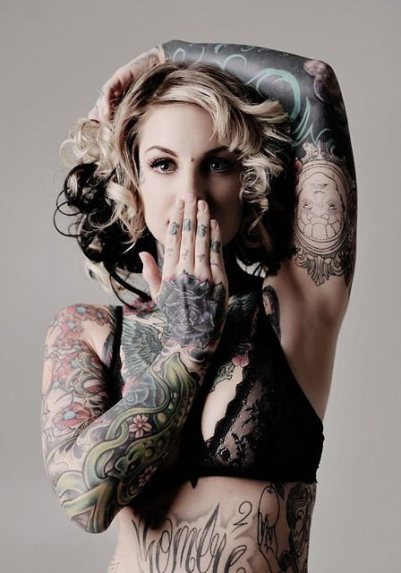 993972833202573d2b3a62c2304357a1--girls-with-tattoo-tattooed-girls[1]