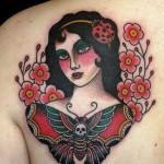 tattoo-back-old_school-women-moth